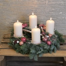Adventskranz mit 4 Kerzen in rose