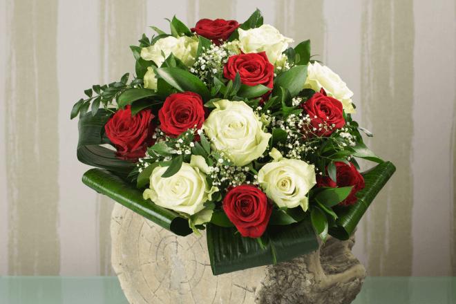 Blumenstrauß Rosen Zum Valentinstag